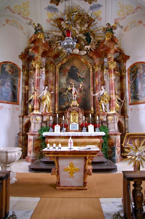 Innenansicht von St. Leonhard in Lauingen