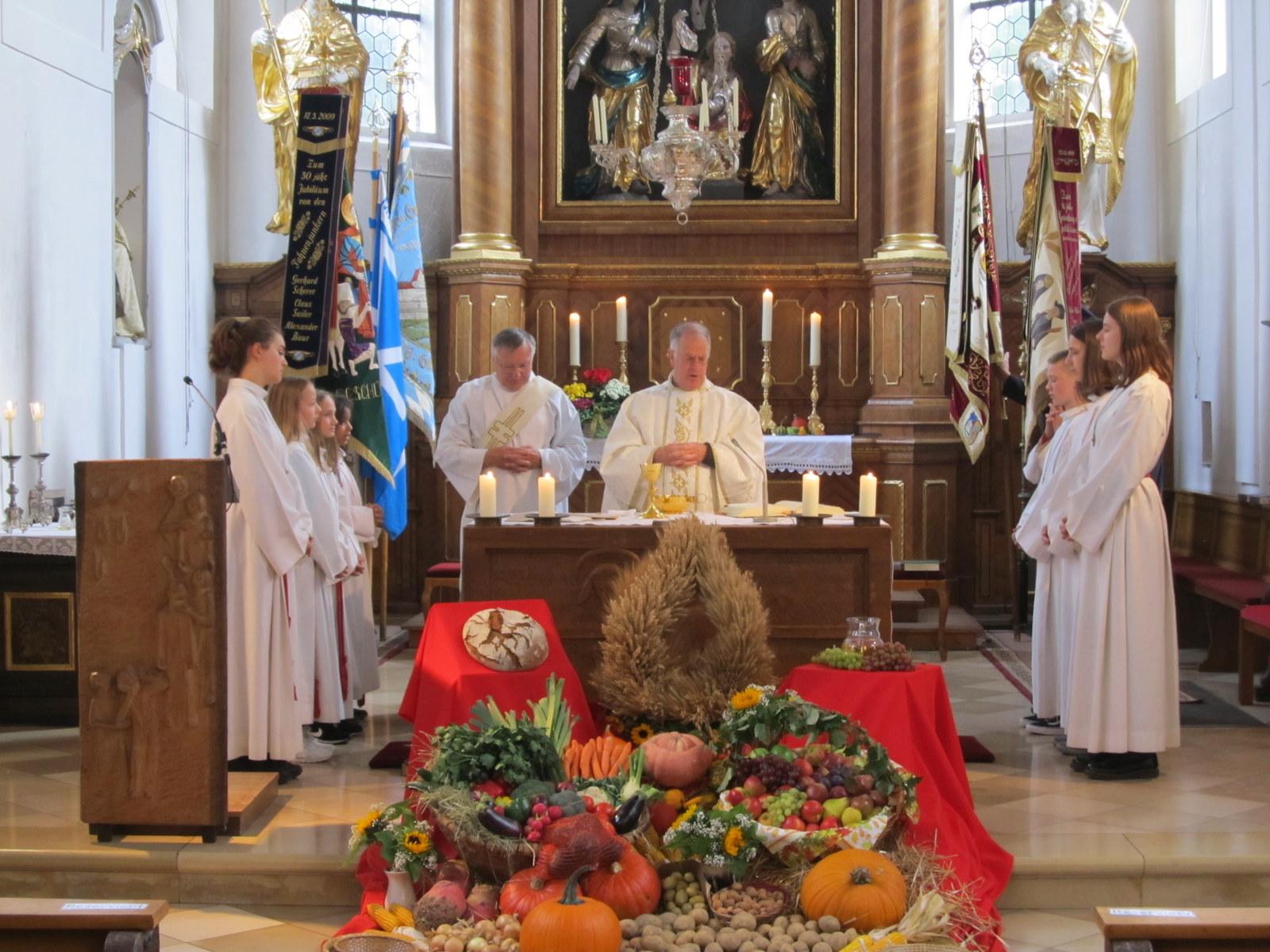 Feierlicher Gottesdienst zum Erntedank