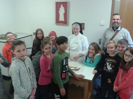Erstkommunionkinder besuchten Hostienbäckerei