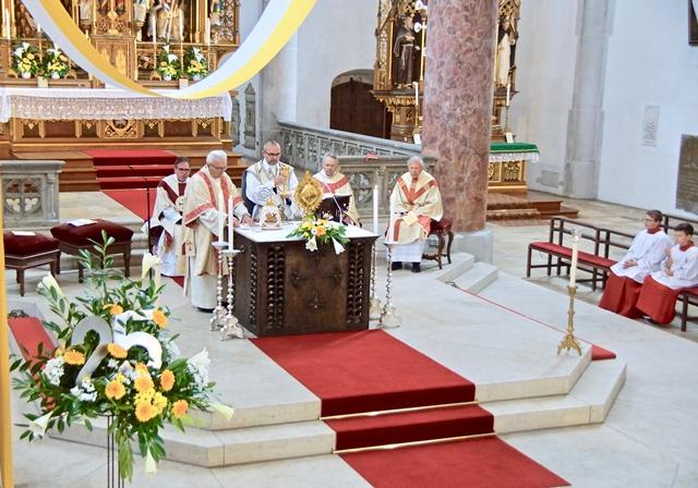 Dankmesse zum Silbernen Priesterjubiläum von Stadtpfarrer Raffaele De Blasi