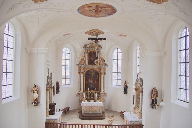 Altarraum nach der Innenrenovierung 2019