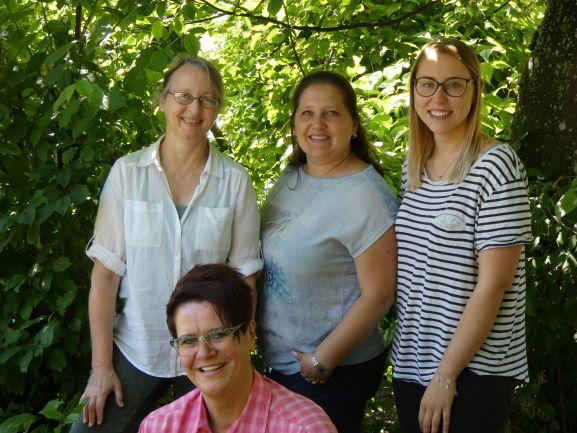 Schneckenhaus: Cornelia Huber, Katharina Saam, Selina Trojan und Christiane Zuber