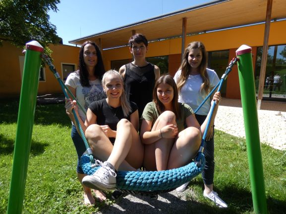 Celine Faye, Ingrid Kimmerle, Nadja Reitenbach, Claudia Stezaly und Annalena Welte