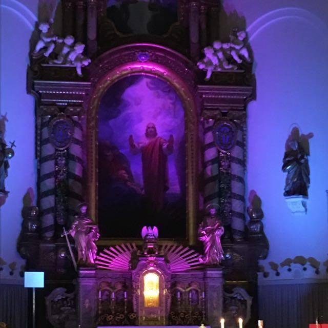 Altarbild mit dem auferstandenen Jesus