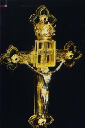 Wettersegen-Kreuz mit dem Kreuzpartikel [Foto: Josef-Matthe Lochner]