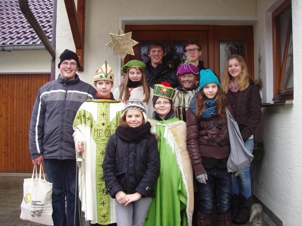 Die Minis aus Unter-/Oberschönbach als Sternsinger 2013