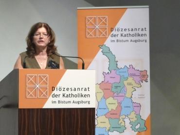 Begrüßte die Teilnehmer zur Fachtagung: Diözesanratsvorsitzende Hildegard Schütz (Foto: Diözesanrat)