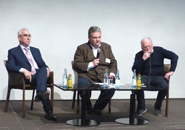 Stellten sich den Fragen des Diözesanrats: Dr. Ulrich Ruh und Dr. Theo Waigel mit Moderator Michael Widmann (Foto: Roswitha Böck, Diözesanrat)